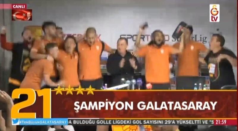 Galatasaraylı futbolculardan Fatih Terim'e büyük sürpriz :)